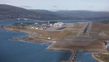 Oversiktsbilde av flyplassen i Tromsø