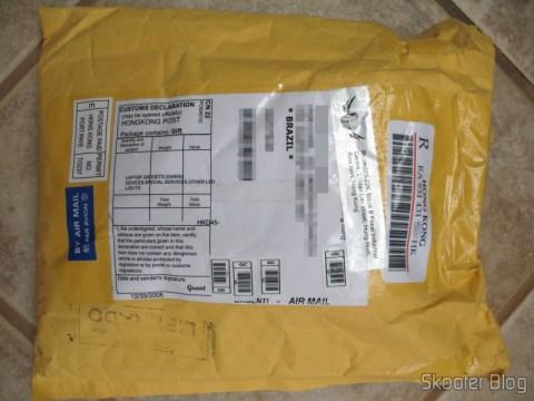 Pacote da DealExtreme, liberado pela Receita Federal de Curitiba
