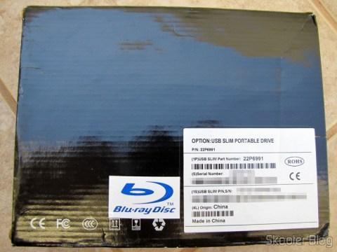 Parte traseira da caixa do Drive Óptico Portátil Combo Blu-ray, DVD+/-RW e CD-RW