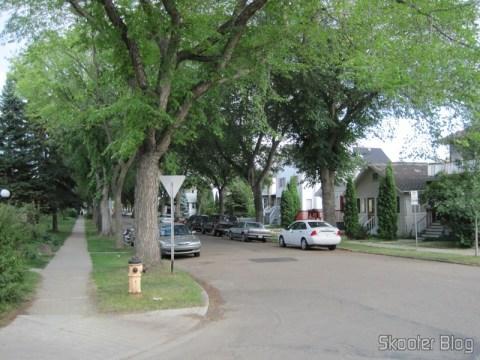 Rua de um bairro residencial