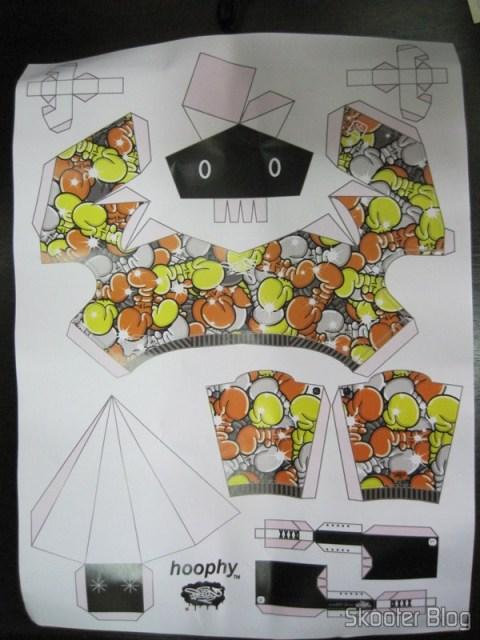 O brinquedo de papel Hoophy do artista Shin Tanaka