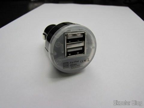Carregador/Adaptador Dual USB para iPad com tomada para carro DC 12~24V