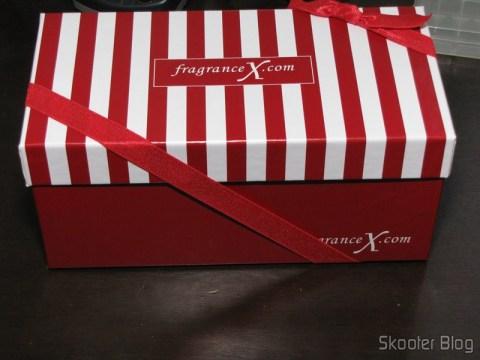 O pacote de presente da FragranceX.com