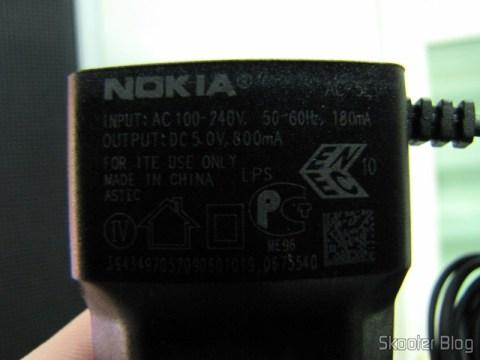 Carregador AC para Nokia X3/X6/N78/E63/E71, plug com dois pinos redondos, 100~240V e as informações copiadas do carregador genuíno