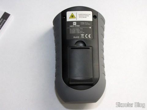 Parte traseira do Medidor de Distância Ultrassônico com Apontador Laser e LCD de 2.0″ (Bateria 9V – G6F22)
