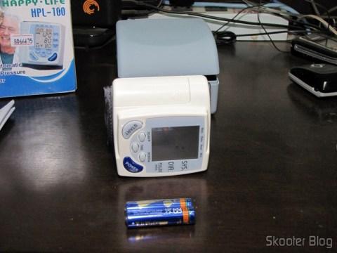 Monitor de Pressão Arterial Digital e as baterias alcalinas que o acompanham