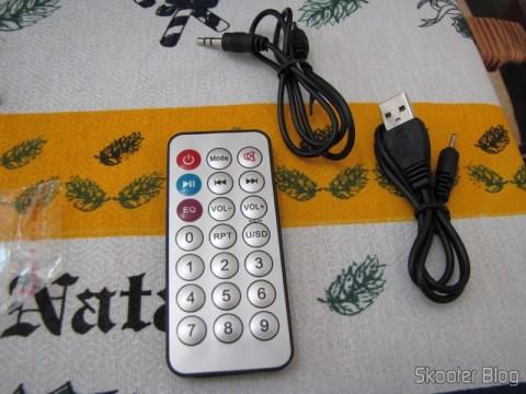 Cabo line-in, cabo USB, e controle remoto do Rádio de Madeira, Recarregável com Energia Solar, com MP3 Player, FM, Slot SD, Slot USB e Auto Falante com Luzes