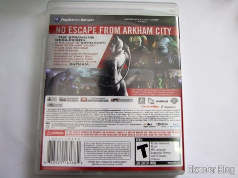 Parte traseira da caixa do Batman: Arkham City (PS3)