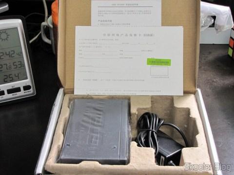 Switch Ethernet ASUS GX1008X 8 Portas 10/100Mbps, fonte e manuais na caixa