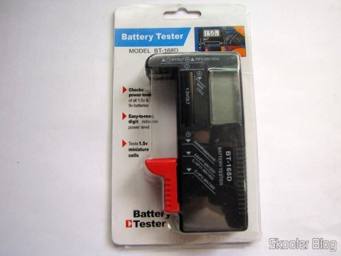 "Tester Level Energy Batteries with Digital LCD 3.5 "" (3.5″ LCD Digital Battery Power Level Tester), on its packaging"