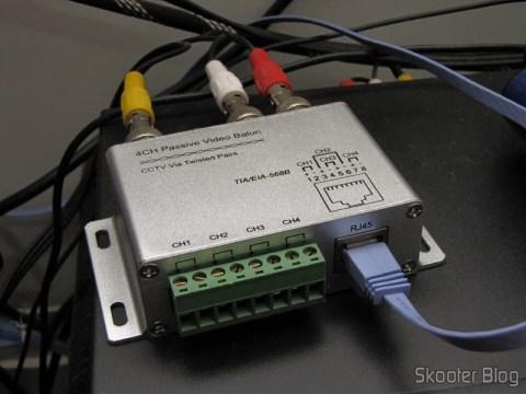 Balun Transceiver Passivo de 4 Canais de Vídeo (CCTV) via Par Trançado, máximo 330m conectado e sobre o decoder da Sky