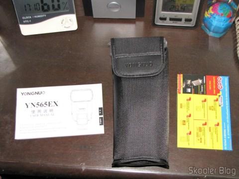 """Acessórios do Flash TTL YongNuo Speedlite YN565EX c/ LCD 2.0"""" para Canon DSLR (YongNuo Y565EX 2.0"""" LCD TTL Flash Speedlite Speedlight for Canon DSLR - Black (4 x AA))"""