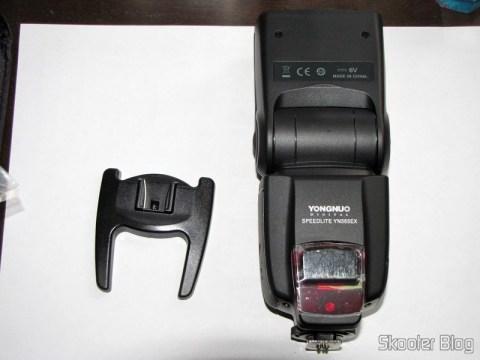 "Flash TTL YongNuo Speedlite YN565EX c/ LCD 2.0"" para Canon DSLR (YongNuo Y565EX 2.0"" LCD TTL Flash Speedlite Speedlight for Canon DSLR - Black (4 x AA)) e base para uso como flash escravo"