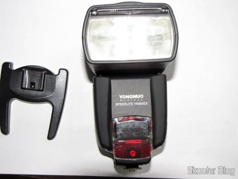 "Flash TTL YongNuo Speedlite YN565EX c/ LCD 2.0"" para Canon DSLR (YongNuo Y565EX 2.0"" LCD TTL Flash Speedlite Speedlight for Canon DSLR - Black (4 x AA))"