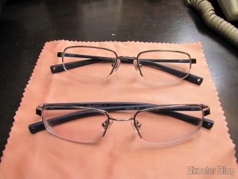 O primeiro e o segundo par de Óculos de grau Nike Flexon 4182 045 com lentes Essilor Transitions 1.67