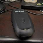 Receptor de Controladores Sem Fio de Xbox 360 para PC (Designer's PC Wireless Gaming Receiver for XBOX 360 Controller – Black), em funcionamento