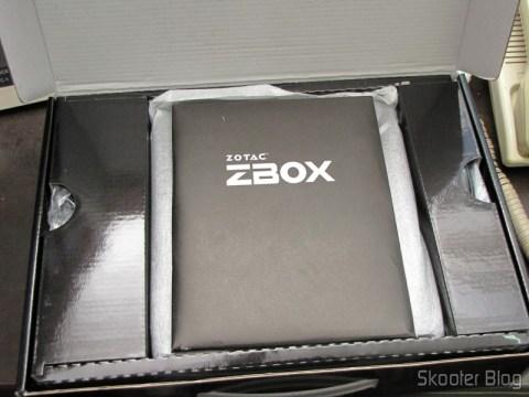 Manual e mídias do Zotac ZBOX ID83 Core i3-3120M 2.5GHz Intel HM76 DDR3 Wi-Fi A&V Gigabit Ethernet Mini PC Barebone System (ZBOX-ID83-U)