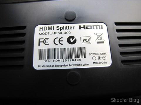 Parte inferior do Splitter HDMI de 1 entrada para 4 saídas HUIYISHUN HDMI-400 HDMI v1.4 Full HD 1080p 3D (HUIYISHUN HDMI-400 3D 1080p Full HD HDMI V1.4 1 to 4 Splitter – Black + White (UK Plug / 100~240V))