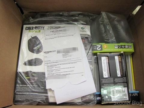 Hard disc (HD) Externo Portátil WD My Passport 2TB USB 3.0 Black, Mouse Logitech G9X Edição Call of Duty: MW3, Memória de Laptop Corsair Vengeance 16GB (2x8GB) DDR3 1600MHz
