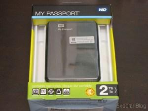 Hard disc (HD) Externo Portátil WD My Passport 2TB USB 3.0 Preto (WD My Passport 2TB Portable External Hard Drive Storage USB 3.0 Black), on its packaging