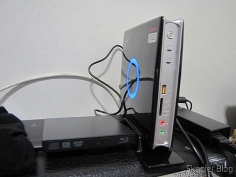 Zotac ZBOX ID83 Core i3-3120M 2.5GHz Intel HM76 DDR3 Wi-Fi A&V Gigabit Ethernet Mini PC Barebone System (ZBOX-ID83-U) com as Memórias de Laptop Corsair Vengeance 16GB (2x8GB) DDR3 1600MHz (Corsair Vengeance 16GB (2x8GB) DDR3 1600 MHz (PC3 12800) Laptop Memory (CMSX16GX3M2A1600C10)) instaladas e o Drive Blu-Ray Externo para executar o Memtest86 e instalar o Windows 8