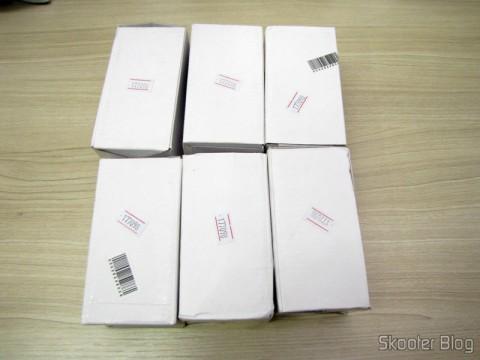 6 Lâmpadas LED 9W Luz Branca 7000K 1100 lumens E27 COB LED (110~220V) (E27 9W 1100lm 7000K White Light COB 1-LED Bulb – White (110~ 220V)) in their packaging