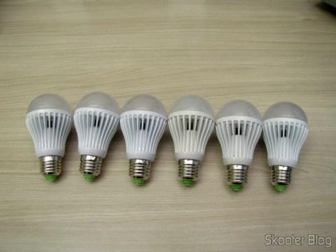 As 6 Lâmpadas LED 9W Luz Branca 7000K 1100 lumens E27 COB LED (110~220V) (E27 9W 1100lm 7000K White Light COB 1-LED Bulb – White (110~ 220V))
