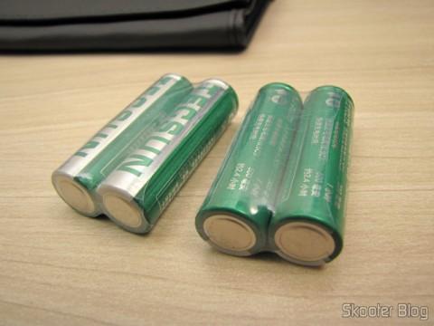 NiMH rechargeable batteries that come with the World Multi-Band Radio Tecsun PL-660 FM, AM (Medium Wave), Shortwave, Long Waves and Escuta Aeronautics (TECSUN PL-660 (Black) AIR/FM/SW/MW/LW World Band Radio)
