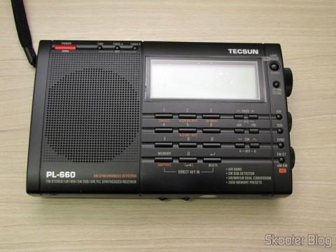Radio Multi-Banda Mundial Tecsun PL-660 FM, AM (Medium Wave), Shortwave, Long Waves and Escuta Aeronautics (TECSUN PL-660 (Black) AIR/FM/SW/MW/LW World Band Radio)