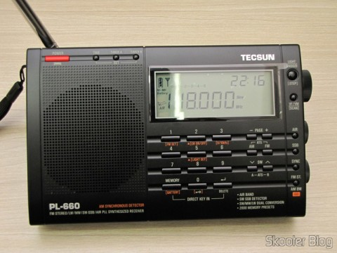 Radio Multi-Banda Mundial Tecsun PL-660 FM, AM (Medium Wave), Shortwave, Long Waves and Escuta Aeronautics (TECSUN PL-660 (Black) AIR/FM/SW/MW/LW World Band Radio) tuning aeronautical listening