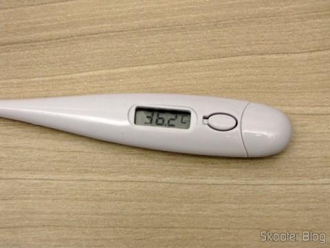 Termômetro Corporal Digital (32~42º C) (Body Temperature Thermometer (32~42′C)), após uma medição