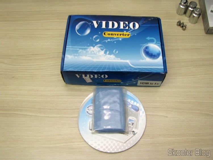 Tecido de Limpeza Hi-Tech para Gadgets 3M Scotch Brite (3M Scotch Brite Hi-Tech Cleaning Cloth for Gadgets (Random Color)) e Conversor de HDMI para Vídeo Composto (CVBS) + Áudio Estéreo (HDMI to CVBS Video Converter)