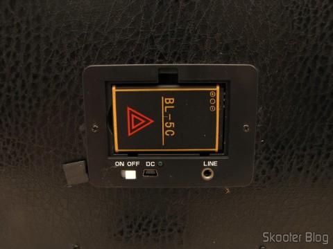 "Bateria do MP3 Player com Alto-Falante HY-F3 com Tela de 1.3"", Rechargeable Battery, Luz Colorida Piscante, Rádio FM, slots SD, TF and USB (Rechargeable 1.3"" Screen MP3 Player Music Speaker w/ Colorful Flashing Light / FM / SD / TF / USB)"