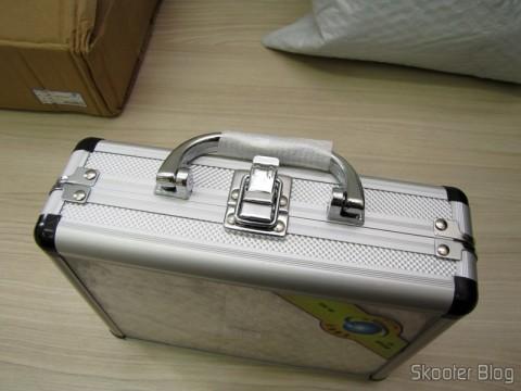 A bela maleta de alumínio do Conjunto Furadeira / Amolador Elétrico 80 em 1 WLXY P-800 (WLXY P-800 80-in-1 Electric Drill / Grinder Set)