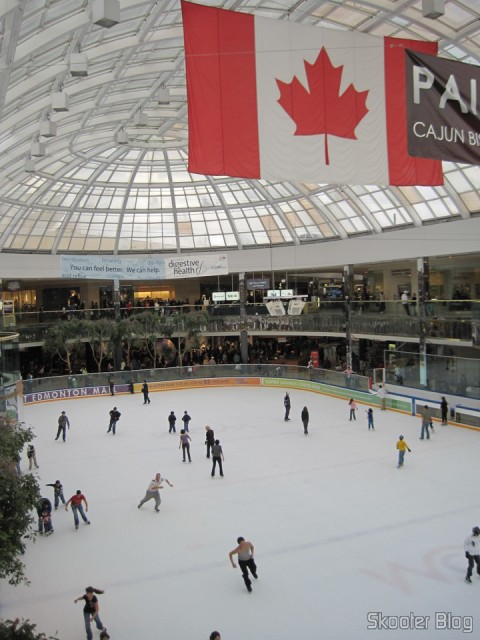 Skating rink in West Edmonton Mall