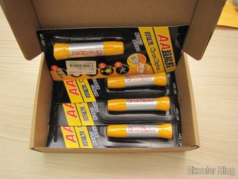 Caixa com os 4 Tubos de Super Cola Instantânea Aron Alpha (Aron Alpha Instant Super Glue)