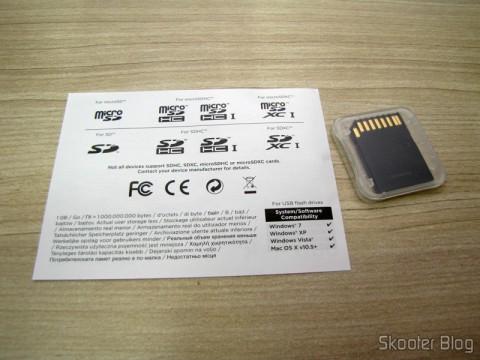 Abrindo a embalagem do Cartão de Memória Sandisk Extreme 32GB SDHC Classe 10 UHS-1 45MB/s SDSDX-032G-AFFP (SanDisk Extreme 32 GB SDHC Class 10 UHS-1 Flash Memory Card 45MB/s SDSDX-032G-AFFP)