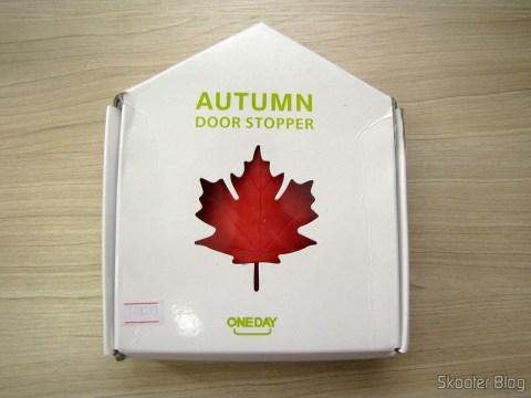 Para-Porta Estilo Folha de Maple Vermelho (Maple Leaf Style Door Stopper Guard - Red), em sua embalagem