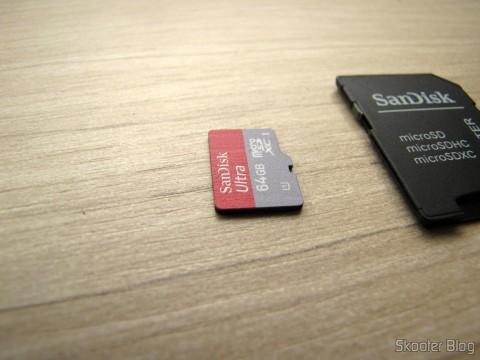 Cartão de Memória Sandisk Genuíno Micro SDXC / TF c/ Adaptador SD 64GB Classe 10 (Genuine SanDisk Micro SDXC / TF Memory Card w/ SD Card Adapter – Grey + Red (64GB / Class 10))