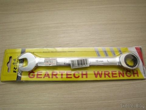 Chave Combinada (Chave de Boca) com Catraca Aço Cromo-Vanádio 16mm REWIN (Chrome Vanadium Steel Ratchet Combination Spanner Wrench (16mm)), em sua embalagem