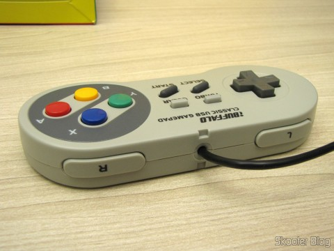 Botões L e R no Gamepad de Super Nintendo (SNES) para PC Buffalo (Super Nintendo Famicom SNES Gamepad for PC (PC) (BUFFALO))