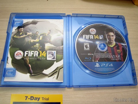 Manual e Mídia Blu-ray do Fifa 14 (PS4) (US)