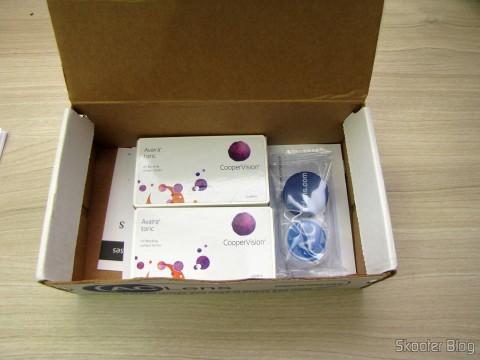 Abrindo a caixa da AC Lens, com as lentes Cooper Vision Avaira Toric