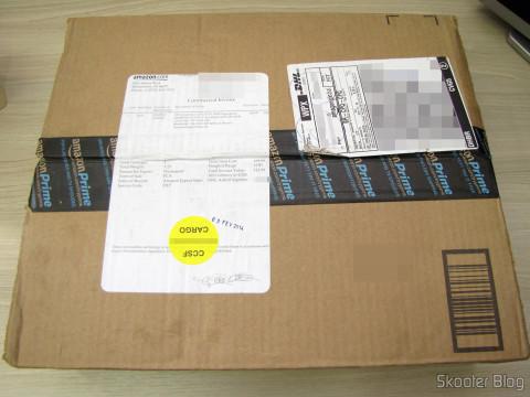 Caixa da Amazon com a Placa de Vídeo EVGA GeForce GTX 760 SC 4GB DisplayPort HDMI DVI-I/DVI-D com Cooler ACX 04G-P4-2768-KR (EVGA GeForce GTX 760 SC 4GB DisplayPort HDMI DVI-I/DVI-D Graphics Card with ACX Cooler 04G-P4-2768-KR)