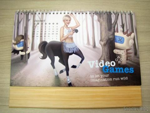 Calendário de Mesa da DX 2014 com Cupons de Desconto nos 12 meses, totalizando US$ 237,00 (DX 2014 Desk Calendar with 12 Months' Coupon Codes (Value USD$ 200)): Mês de Janeiro, no lado com a foto