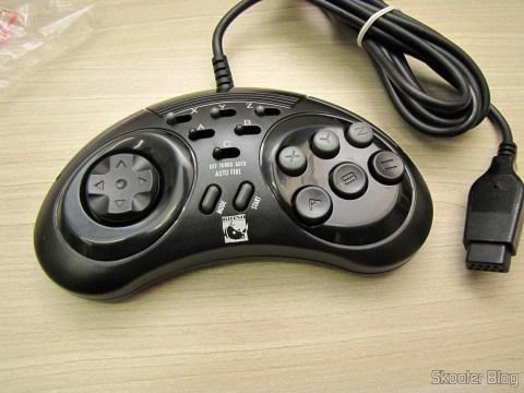 Um dos dois Controladores de 6 Botões ASCII 'Rhino' para Mega Drive (NEW Sega Genesis 6 Button RHINO PAD controller control)