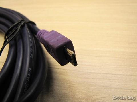 Conector Micro USB de um dos Cabos de Carga e Dados USB macho para Micro USB macho Millionwell 01.0363 com 3 metros (Millionwell 01.0363 USB Male to Micro USB Male Data / Charging Cable - Purple (3m))