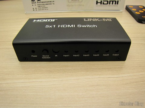 Switch HDMI c/ Controle Remoto LINK-MI LM-SW04 1080p 3D 5 inputs p / 1 output (LINK-MI LM-SW04 1080p 3D 5 in 1 out HDMI Switch w/ Remote Control - Black)