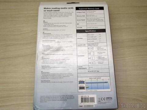 Painel Mutifuncional Akasa com 2 Portas USB 3.0, 3 Portas USB 2.0, eSATA, e Leitor de Cartões (Akasa Multifunction Panel 3-Port USB 3.0 + 2-Port USB 2.0 Hub + ESATA + Card Reader Combo - Grey), em sua embalagem