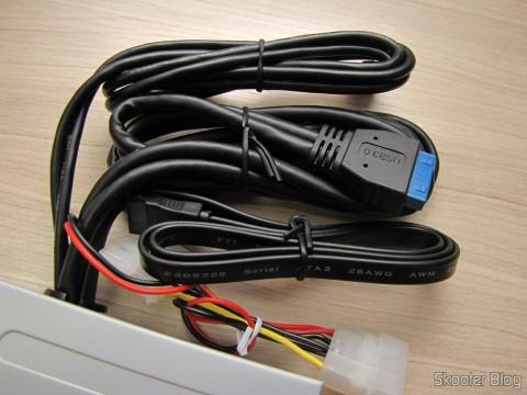 Panel Mutifuncional with Akasa 2 Portas USB 3.0, 3 USB Portas 2.0, eSATA, and Card Reader (Akasa Multifunction Panel 3-Port USB 3.0 + 2-Port USB 2.0 Hub + ESATA + Card Reader Combo - Grey)